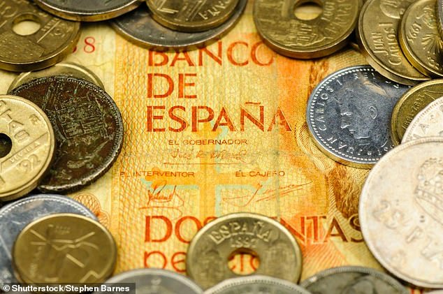 According to the Remaining Currency Office, the average UK household has £ 65 worth of leftover currencies in its drawers, and a whopping £ 1.8 billion of dust accumulates