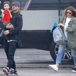 Chair Exercise Justin Timberlake Circle Furniture Dining Chairs Cradles Son Silas As He And Jessica Biel Board Family Time 37 36 Were Spotted