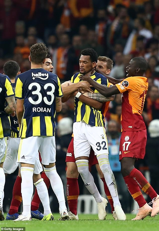 Images show Badou Ndiaye with his hands around the throat of Jailson Siqueira of Fenerbahce