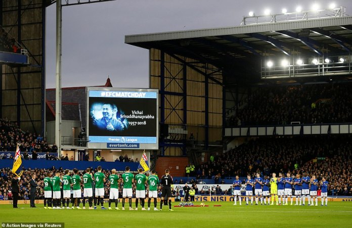 Everton and Brighton hold a moment of silence as part of commemorative events and in memory of Vichai