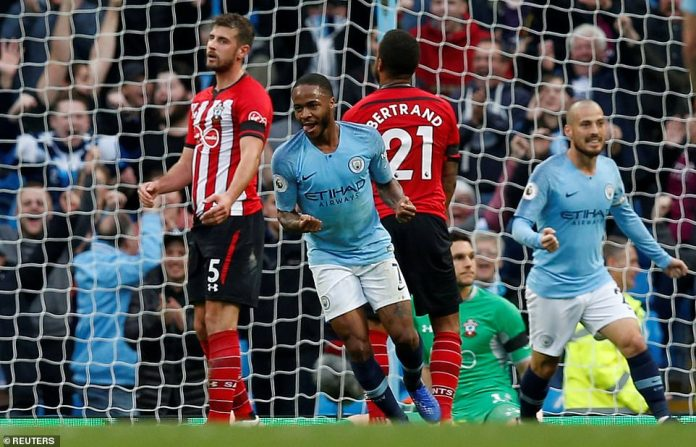 Sterling is celebrating Manchester City 4-1 against Southampton after their first afternoon, just before the break
