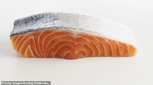 Increasing the intake of omega-3 fatty acids by eating more fish reduces depression by about 17 percent (image file).