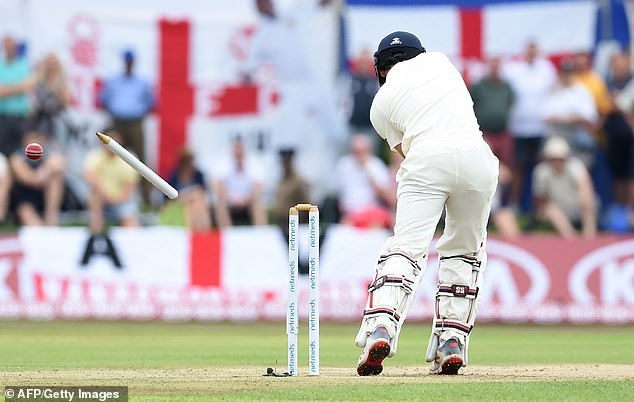 Moeen Ali, England's first drop, then had his stump removed first ball by Lakmal