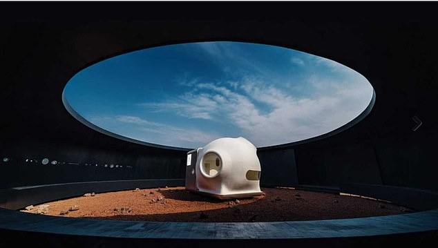 The MARS Case was developed by the design agency Open Architecture in partnership with the Chinese technology group Xiaomi. The structure is portable and transferable
