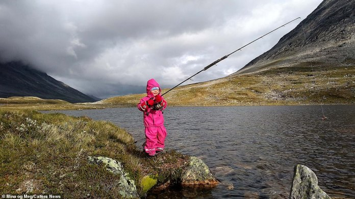 During her travels, Mina got to know the outdoors and developed various skills, including fishing