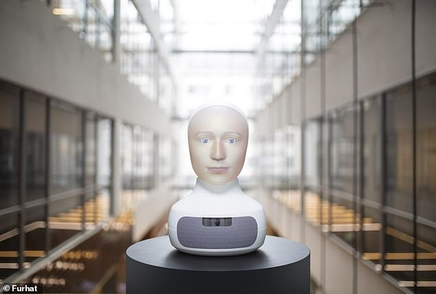 Two Hi-Fi speakers are located below Furhat's head to power its voice. It uses AI to understand natural language and speak over 30 languages ​​thanks to text-to-speech technology