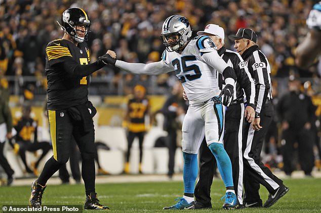 Roethlisberger Throws For 5 Tds, Steelers Rip Panthers