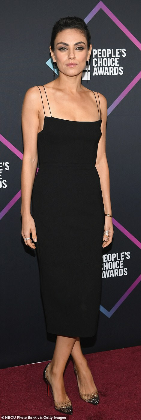 Arrivals: Mila Kunis and Busy Phillipps both arrived in elegant black dress for this year's People's Choice Awards