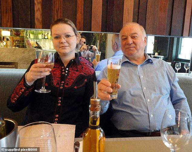 Sergey Skripal und seine Tochter Yulia wurden im März in Salisbury vom chemischen Wirkstoff novichok vergiftet