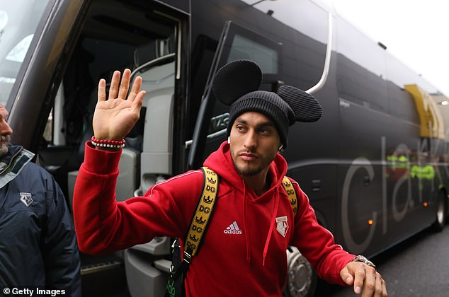 Roberto Pereyra had an interesting hat to worry about losing his team to Liverpool