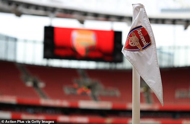 The arsenal is at the center of the latest hippie crack controversy to hit English football