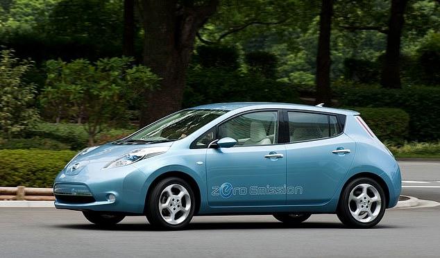 Nissan a annoncé son intention de rappeler environ 150 000 véhicules en raison de tests incorrects sur de nouvelles unités. Le rappel couvrira une dizaine de modèles, y compris les berlines Note et les véhicules électriques Leaf ci-dessus, ainsi que les voitures compactes Cube. [File photo]