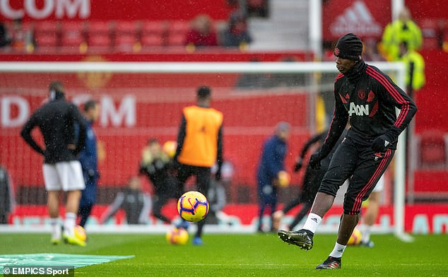 Paul Pogba warmed up before Manchester United vs Fulham but he remained unused sub