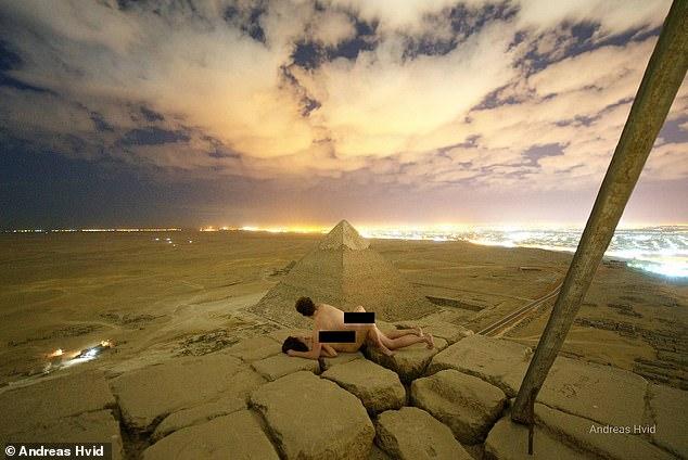 Andreas Hvid löste Empörung in Ägypten aus, nachdem er dieses Bild gepostet hatte, in dem er mit einer Frau auf der Großen Pyramide Sex zu haben schien