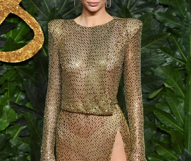 Daring Earlier In The Evening Kendall Maintained Her Supermodel Status When Attending The Fashion Awards