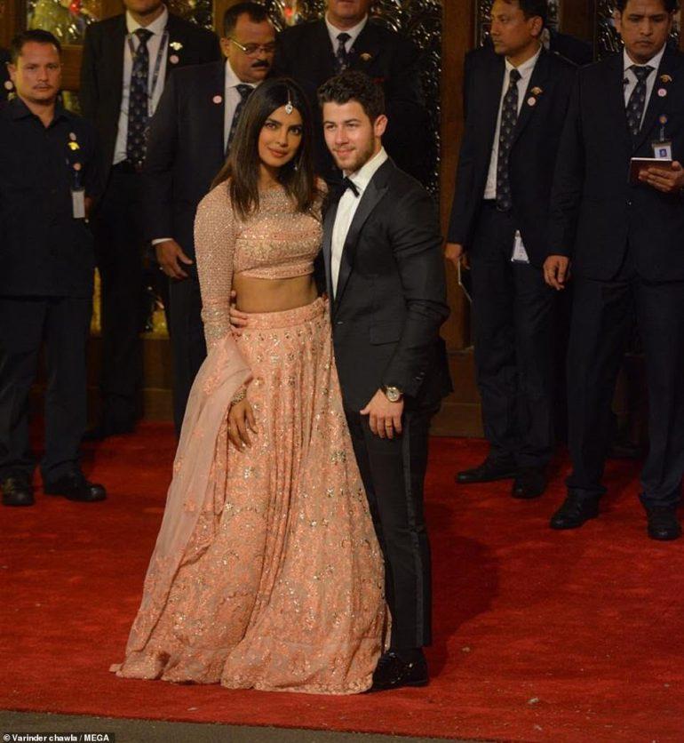 Priyanka Chopra Ist Ein Glamouroser Gast In Aufwendiger