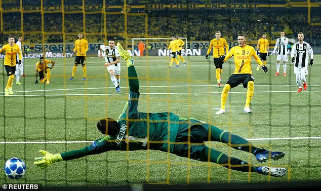 Guillaume Hoarau beat goalkeeper Wojciech Szczesny from the spot in the 30th minute
