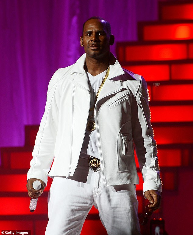 Witness: R Kelly's back-up singer saw him having sex with 15-year-old Aaliyah, a new documentary has claimed