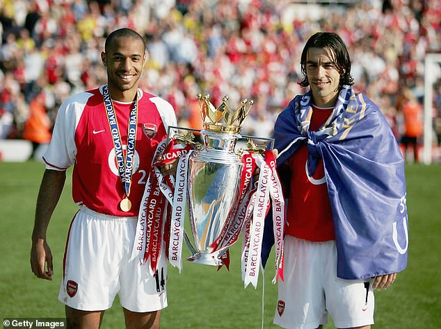 Arsenal Fans Toast Invincibles Day After Liverpool Lose To