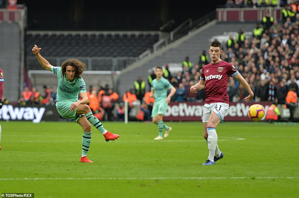 Younger Matteo Guendouzi tried his luck at a distance in the first half, as Arsenal had to settle for 0-0 with the interval