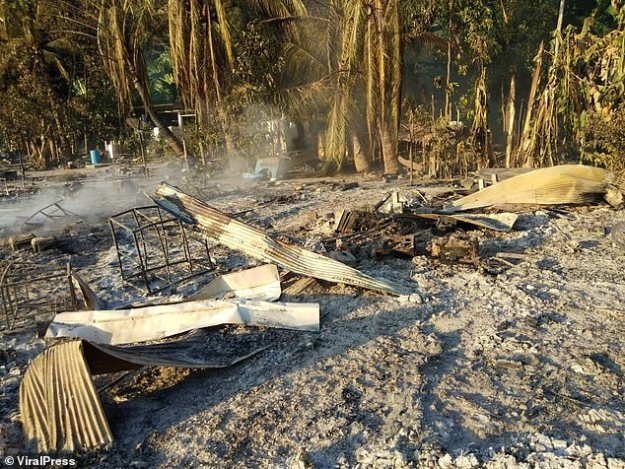 Restes: Le fer ondulé est tout ce qui reste de certaines des maisons du peuple Moken sur l'île de Surin