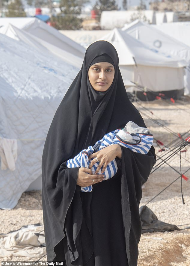 Shamima Begum in the picture with the one-week son in the field of Al Hawl for the captured ISIS wives
