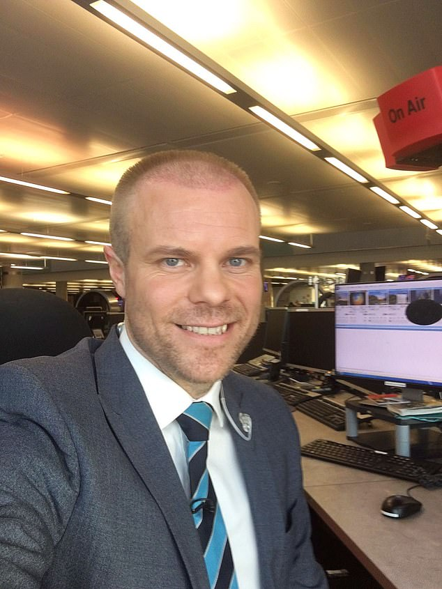 BBC weatherman Simon King showcased his new hair transplant while presenting the forecast on Tuesday morning