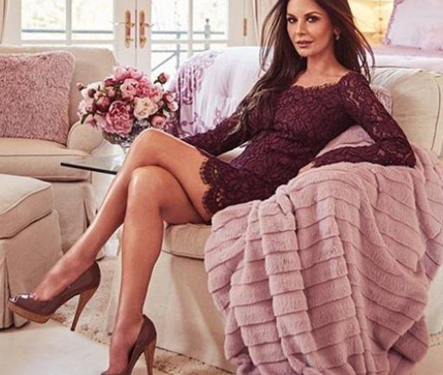 Catherine Zeta Jones  Shows Off Her Stunning Legs In New Post