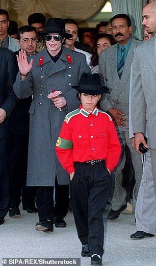Omer Bhatti, a Norwegian dancer, lived at Neverland with Jackson