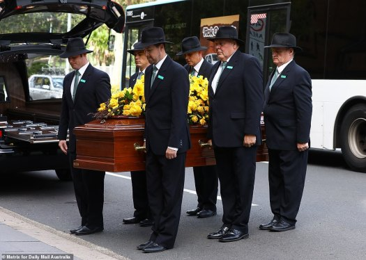 Mike Willesee funeral: TV legend laid to relaxation after ...