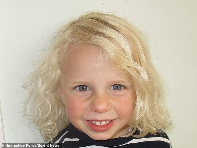 Bethan a été retrouvée morte dans une chambre en bas de la maison familiale après s'être noyée environ 14 heures plus tôt.