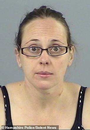 Claire Colebourn (photo de la police sur la photo) a tué sa fille Bethan à leur domicile à Fordingbridge, dans le Hampshire