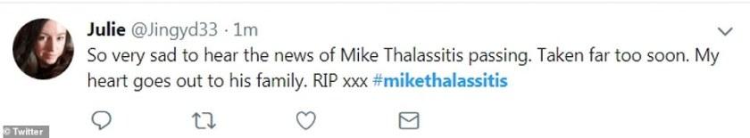 """Un usuario de Twitter dijo que la ex estrella de Love Island había sido """"tomada demasiado pronto"""" cuando ella twitteó sus respetos a la celebridad."""