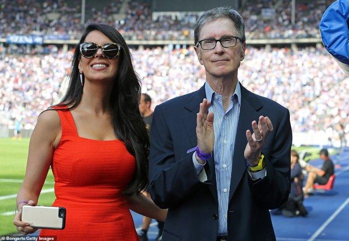 John W Henry, Inhaber von Liverpool, und seine Ehefrau Linda Pizzuti, hat den Preis seiner Villa in Florida um 10 Millionen Dollar gesenkt