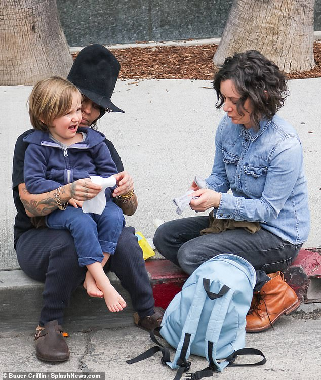 """Sara said she wants to be able to focus on """"even the little things in her life"""" that has been lost due to her crazy program. The actress is seen with his wife Linda Perry and their son Rhodes, four, in Los Angeles on Sunday"""