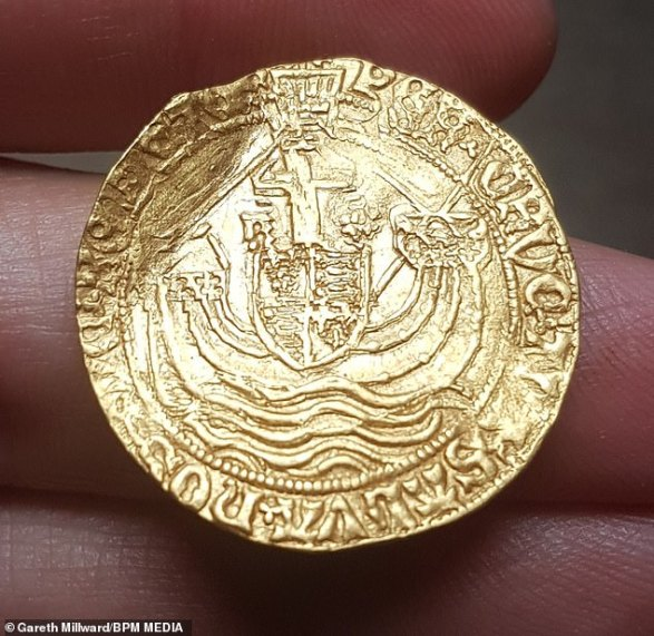 A treasure hunter has struck it rich after digging up a 500-year-old gold coin that could be worth more than £4,000 ($5,200)