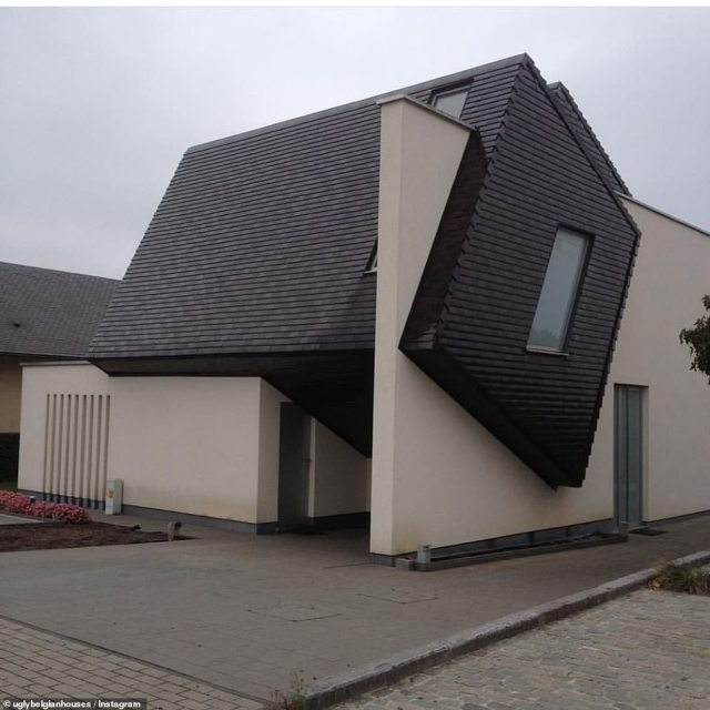 Several of Hannes' followers remarked that this house looks remarkably like a Transformers toy or a Rubik's Cube