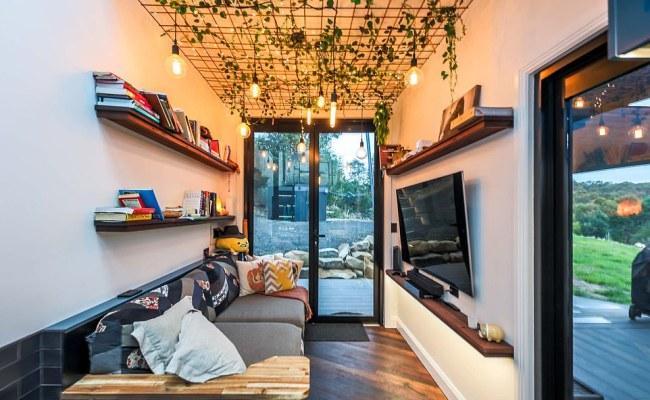 Couple Lisa Tranter And Matt Hobbs Builds Tiny Home On