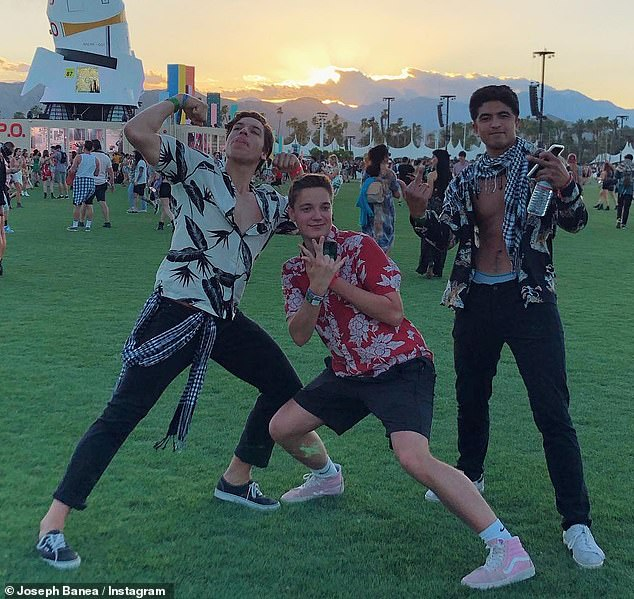 Fun with friends: Joseph's Instagram report made him feel very comfortable at the festival