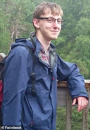 James O'Shea, de 22 años, fue encontrado muerto en el Darwin College el 20 de enero después de quitarse la vida. Él se ve aquí en una foto sin fecha
