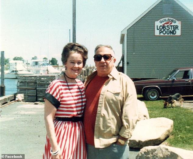 Zusammen gründeten sie die New England Society für psychische Forschung und das Warren Occult Museum in ihrem Zuhause in Monroe, Connecticut. Ed ist 2006 verstorben