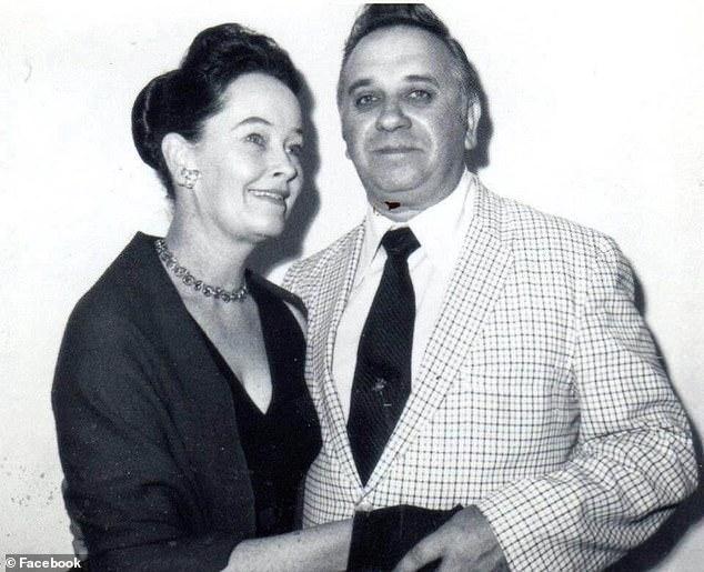 Obwohl sie die berühmtesten Geister der Welt waren, wurden Ed und Lorraine Warren mit großer Kritik konfrontiert. Viele nennen ihre Ermittlungen bloße Betrügereien