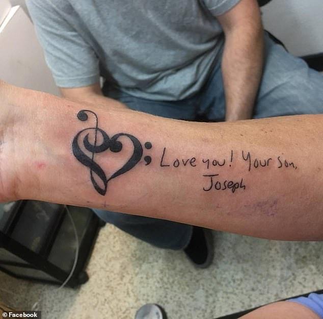 Jennifer trägt eine Tätowierung mit einer Notiz, die Joseph ihr als Tätowierung geschrieben hat, und versucht weiterhin, auf die gefährlichen Positionen aufmerksam zu machen, in denen die Versicherer gefährdete Patienten einsetzen