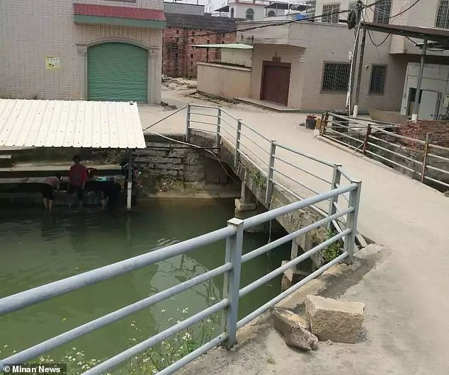 Witnesses say they saw the family of three near a bridge at a construction site in Shazhou town