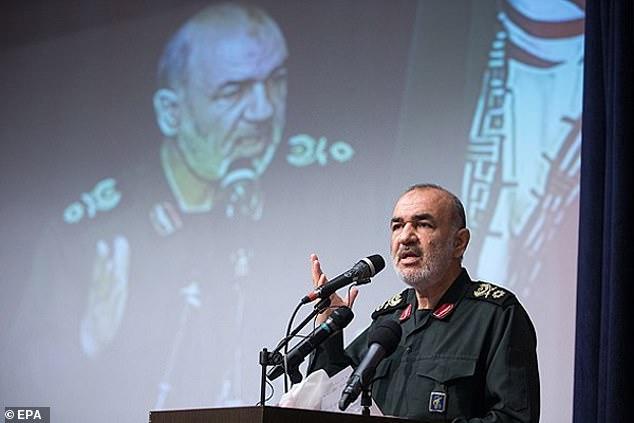"""El jefe de la Guardia Revolucionaria de Irán (en la foto) insistió en que estaba """"completamente preparado para una confrontación con el enemigo ', a pesar del ayatolá Khameni que dijo que Irán no quería el conflicto"""
