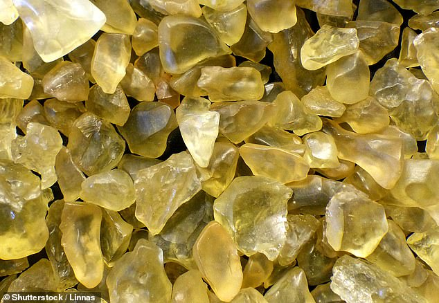 Glass found in the Egyptian desert was created by a meteorite impact around 29 million years ago, unraveling a riddle almost a century in the making. Researchers believe the origin of the so-called Libyan Desert Glass scattered across the Saharan desert in Egypt