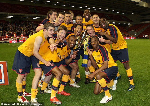 Arsenal beat Liverpool 10 years ago in the FA Cup final. (from left to right) Jack Wilshere, Conor Henderson, James Shea, Tom Cruise, Ozzy Ozyakup, Cedric Evina, Francis Coquelin, Craig Eastmond, Jay Emmanuel Thomas, Luke Ayling, Sanchez Watt, Henri Lansbury and Gilles Sunu