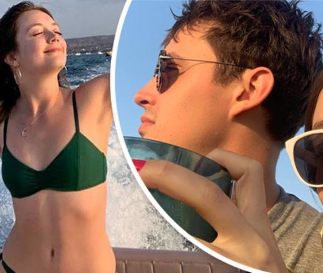 Carrie Fishers Daughter Billie Lourd Wears A Bikini During Mexico