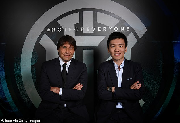 Inter Milan wants to challenge Juventus for the title in Serie A under Antonio Conte (left)