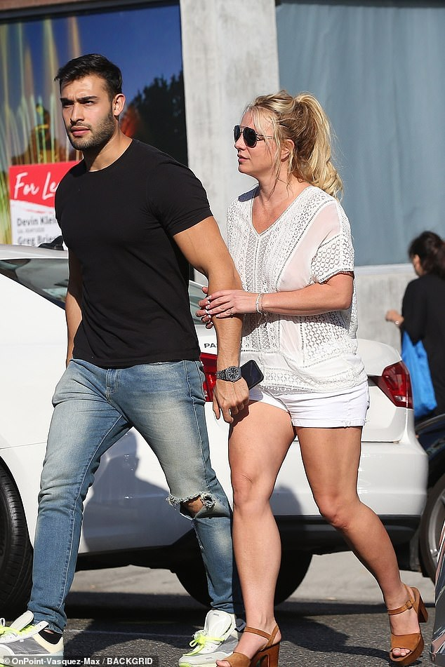 Tone Britt: Britney Spears stepped out for lunch in Beverly Hills with her boyfriend Sam Asghari, on Friday